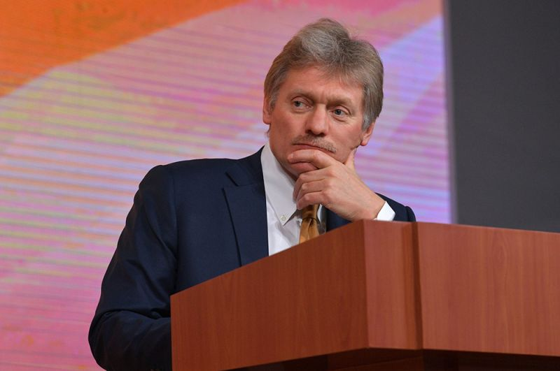 Дмитрий Песков. «Да, я заболел. Лечусь», — сказал представитель Кремля в разговоре с ТАСС. По словам Татьяны Навки, состояние ее супруга оценивается как удовлетворительное.
