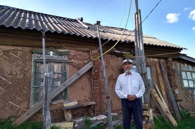 Рафкат Абзалов живет один в целой деревне уже 13 лет.