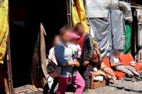 В Херсоне посреди свалки проживают семьи с маленькими детьми: подробности
