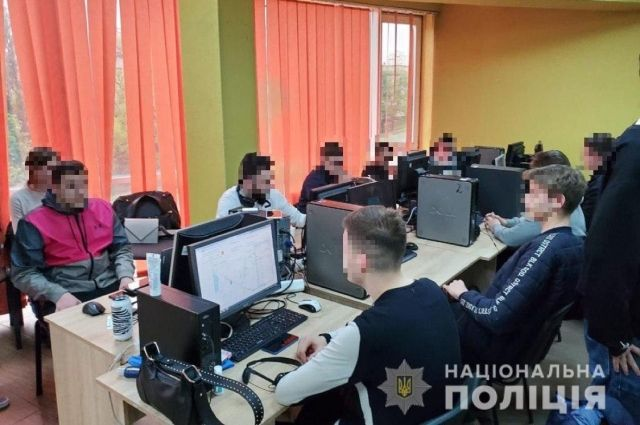 В Киеве мошенники обкрадывали граждан, выдавая себя за сотрудников банков