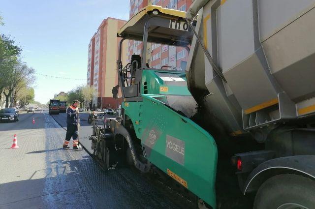 В Оренбурге в четверг ремонт дорог ведется на 11 участках.