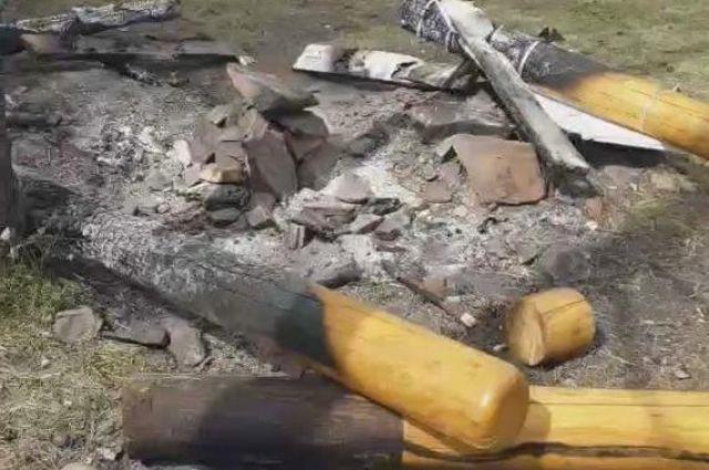 Парк «Гремячая грива» подвергся нападению хулиганов.