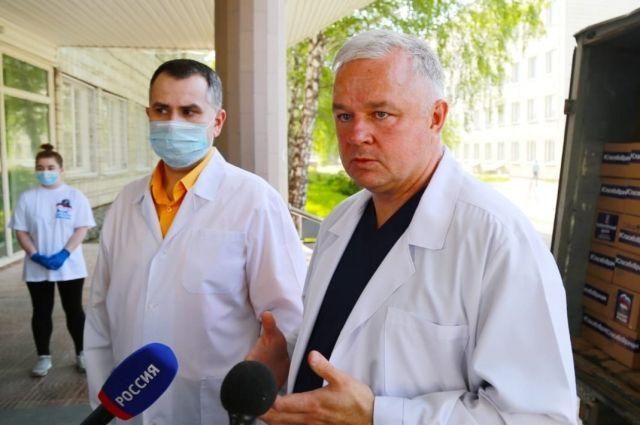 Волонтерский центр при новосибирском отделении партии «Единая Россия» присоединился к всероссийской акции «Спасибо врачам».