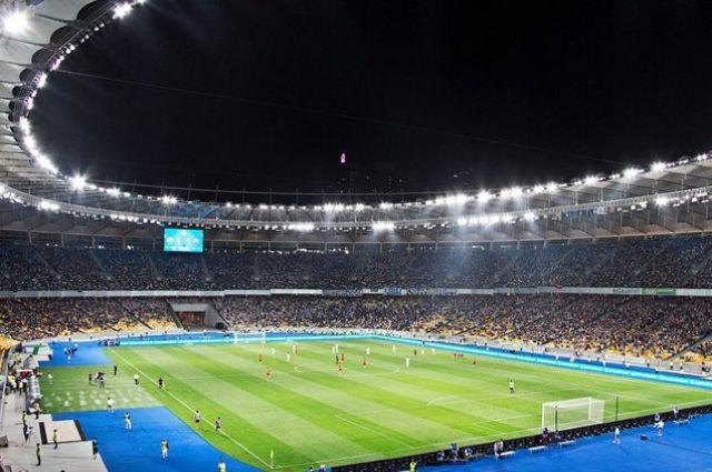 В Минздраве рассказали, когда футбольные болельщики вернутся на трибуны