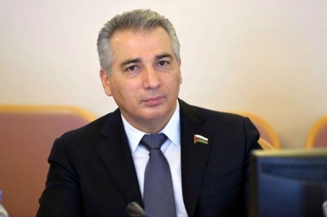 Эдуард Омаров подчеркнул актуальность мер поддержки бизнеса