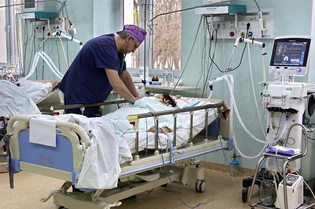 На искусственной вентиляции легких находится 6 человек.