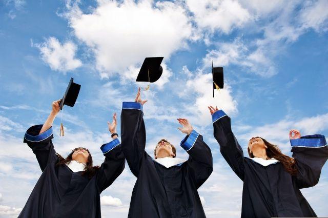 В МЭРТ объяснили, может ли выпускник вуза получить пособие по безработице