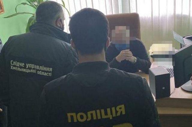 В Хмельницком чиновника поймали на взятке за сертификацию антисептика