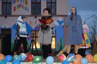 Лариса Титовец на празднике в честь открытия спортивной площадки в 2019 г.
