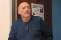 Александр Николаевич - кандидат психологических наук, профессор кафедры социальной психологии и социологии управления КубГУ.
