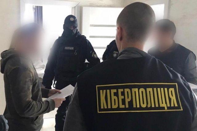 Полиция поймала хакера, который похищал деньги со счетов иностранных банков