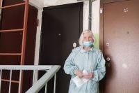 Лилия Васильевна живёт на одной лестничной площадке со своим обидчиком.