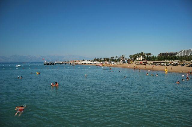 Турция планирует в июне начать принимать иностранных туристов