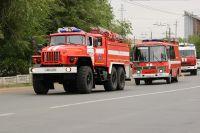 16 пожарных 1,5 часа тушили горящий дом.