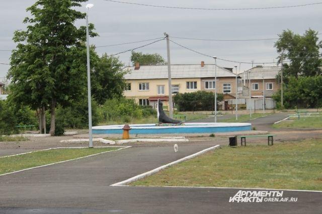 Так в Соль-Илецке выглядел парк Горняков в июне 2019 года.