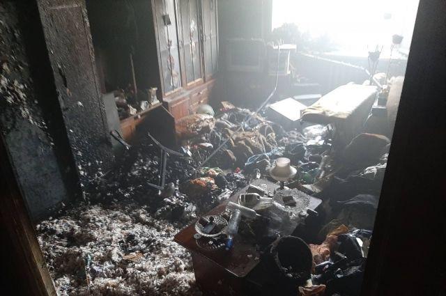 Пожарные спасли еще семерых человек.