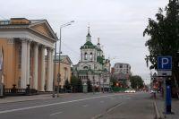 Храм в честь Нерукотворённого Образа Спаса, вид с ул. Челюскинцев.