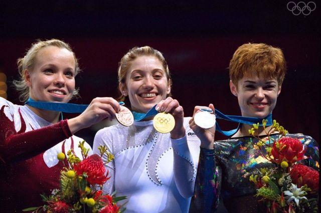 С Игр в Австралии в 2000 Ирина Караваева (в центре) вернулась с «золотом».