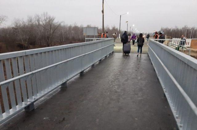 Карантин: КПВВ «Станица Луганская» пересекли 50 человек