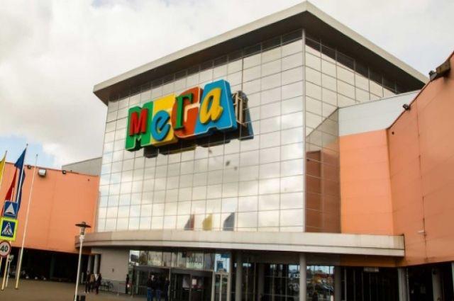 Крупнейший торговый центр Петербурга и Ленобласти закрыли через сутки после открытия.
