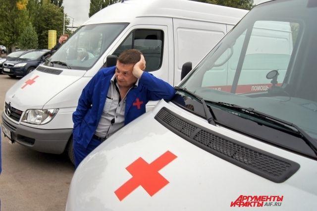 Ранее сотрудники скорой помощи Дивногорска жаловались на то, что им не платят за работу с пациентами, зараженными коронавирусом.