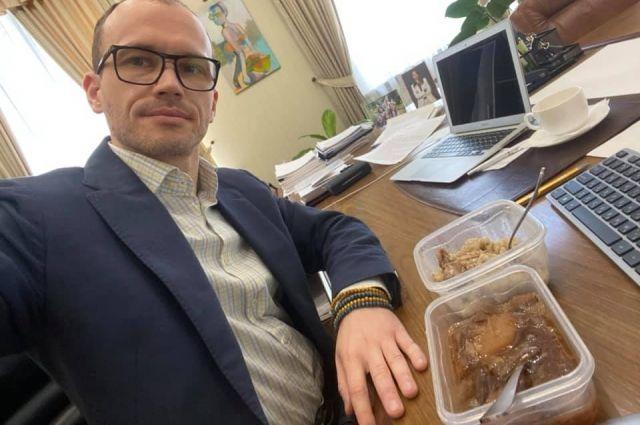 Поделился впечатлениями: Малюська попробовал еду из Лукьяновского СИЗО