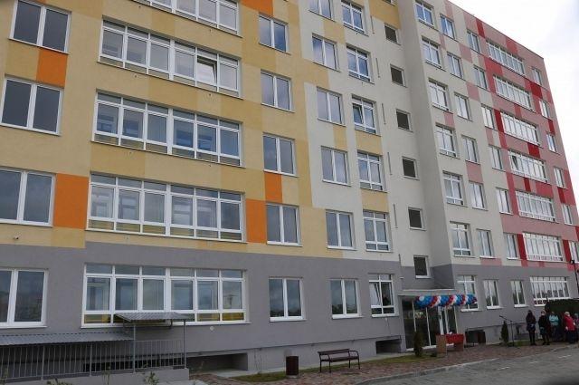 В Светлогорске жители двух аварийных домов получили новые квартиры