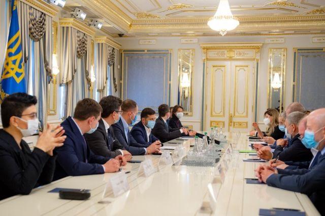 Первым замглавы МИД Украины станет Эмине Джапарова