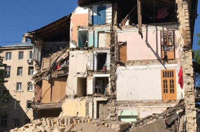 В Одессе обвалилась стена жилого дома