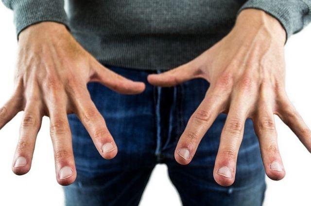 Врач-диетолог предупредила об опасности белых полосок на ногтях