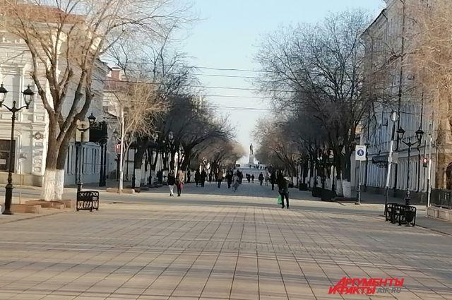Активисты и чиновники спорят из-за уникальности брусчатки на ул. Правды.