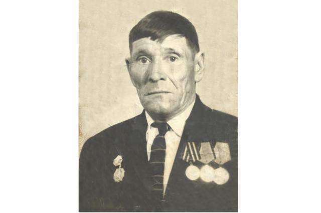 Егор Гаврилович Доровиков - один из тех героев, кто в период Великой Отечественной мужественно сражался за Родину.