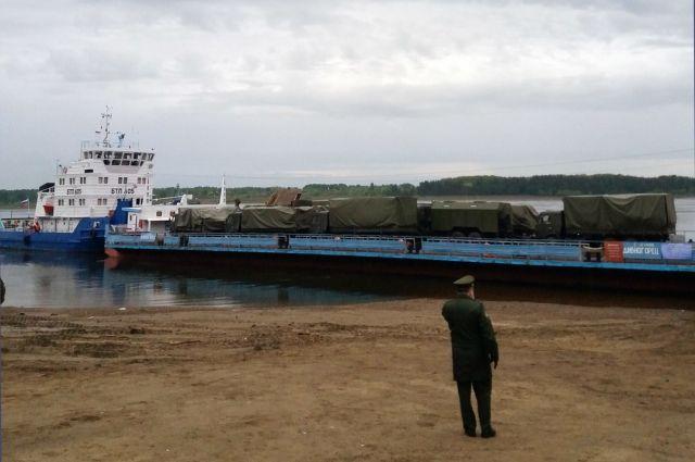 Доставку грузов обеспечивали Енисейское речное пароходство и Лесосибирский порт.