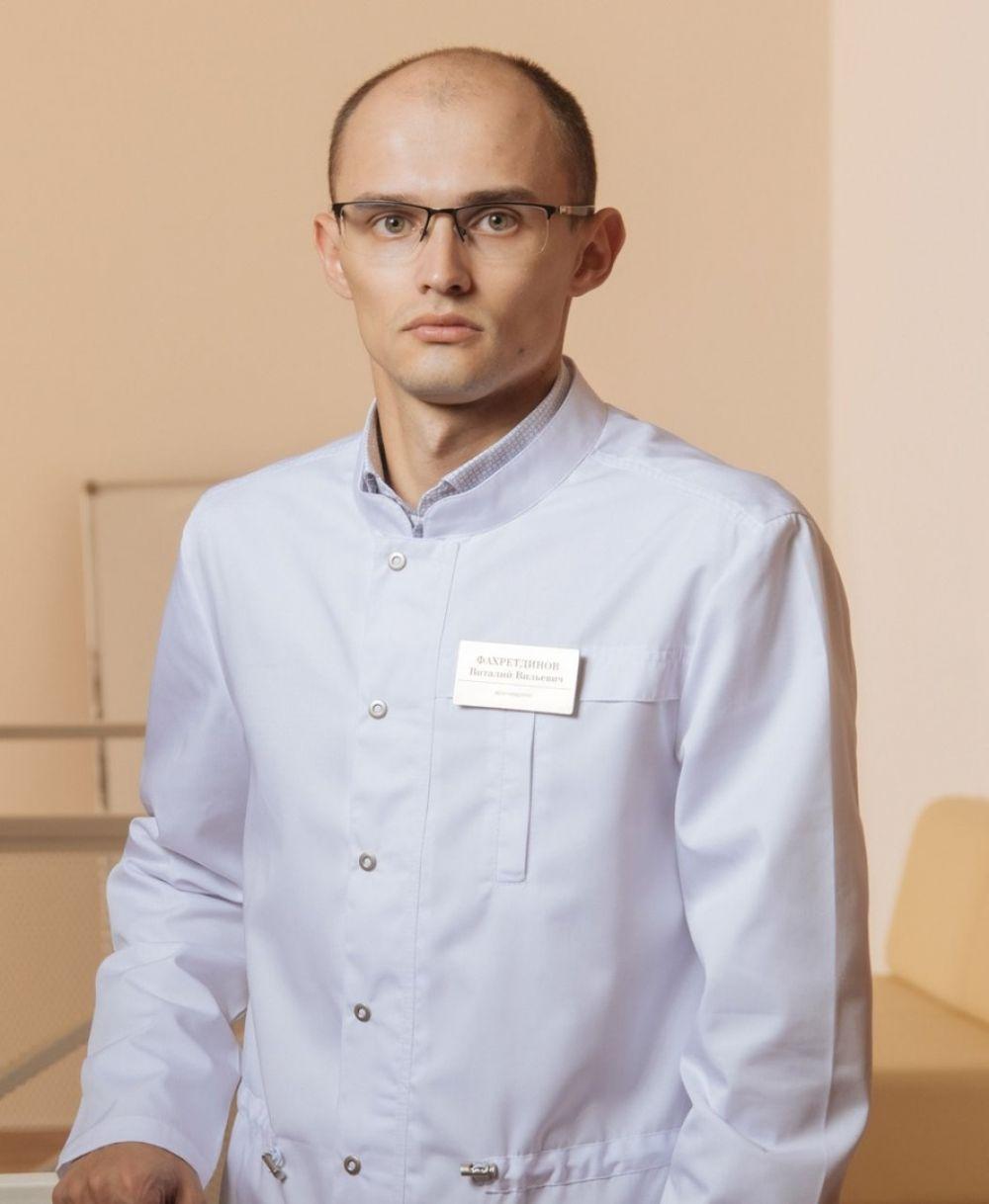 Виталий Фахртдинов, дежурный врач системы телемедицинской консультации, невролог городской поликлиники №12.