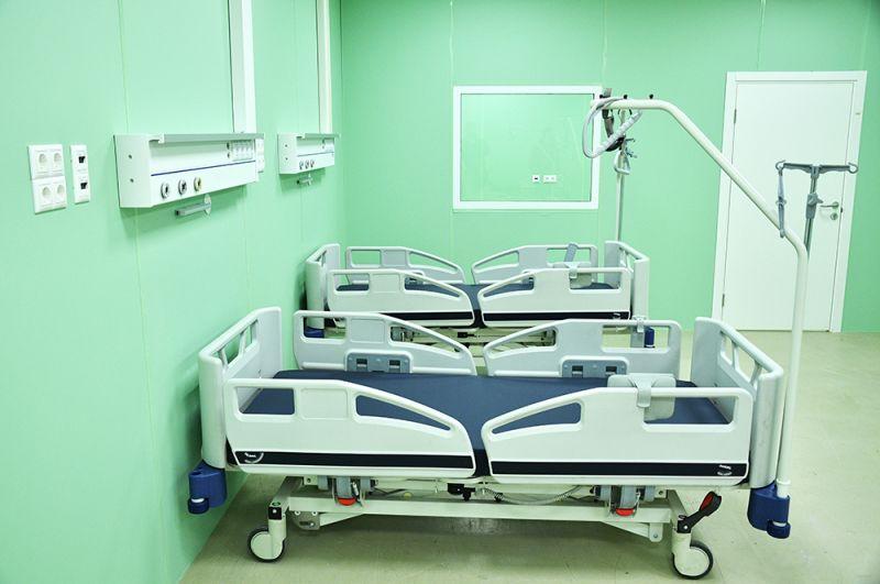 Палата во временном госпитале для пациентов с COVID-19 в павильоне №75 на ВДНХ.