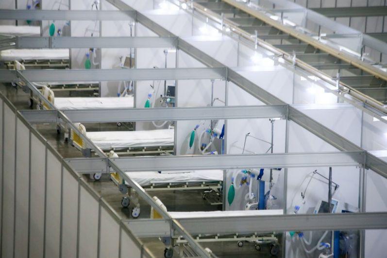Временный инфекционный центр для лечения больных коронавирусом на территории выставочного комплекса «Крокус Экспо».