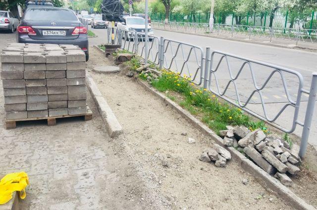 Также планируется отремонтировать 8 дорог и 7 междворовых проездов.