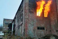 Главное в работе пожарного - спасти людей.