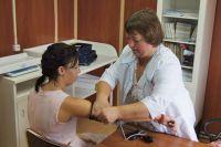 По приказу Минздрава РФ каждый сельский житель должен быть прикреплён к конкретному фельдшеру и врачу.