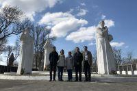 Не передать словами, какие чувства испытали родные во время посещения Мемориального комплекса в Калининградской области.