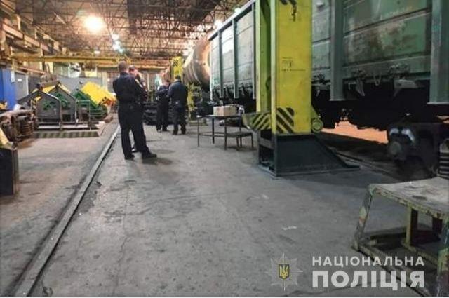 В Харьковской области слесарь депо погиб под колесами вагона
