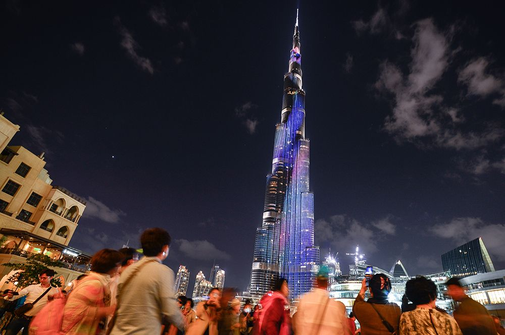 Подсветка башни Бурдж-Халифа.