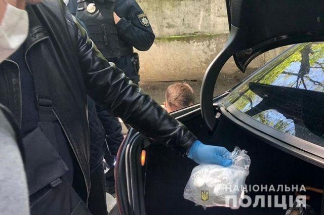 В Киеве у наркодилера нашли партию кокаина на два миллиона гривен