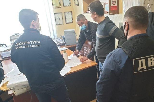 Скрывал убийство: в Харьковской области сообщено о подозрении полицейскому
