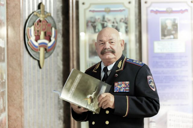Председатель центрального совета ВОСВОД Пётр Нелезин.