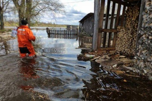 Сами, сами, сами. Как люди «выплывают» из наводнения в Поморье