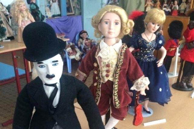 В частной коллекции Веры Денинг есть кукольные версии Чарли Чаплина, Гарри Поттера и других звезд и персонажей.