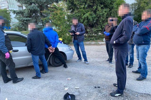 В Запорожской области правоохранитель торговал наркотиками