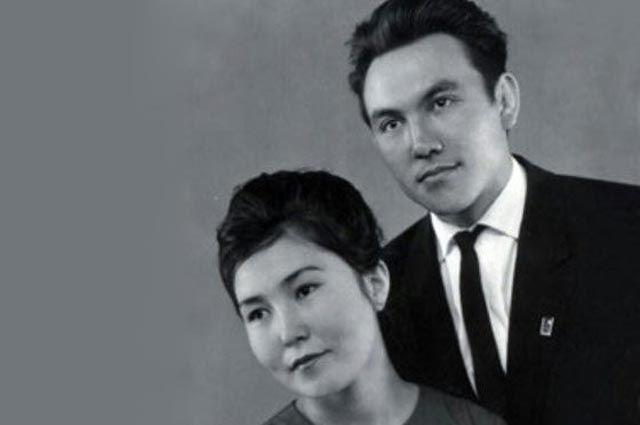 Молодожёны Назарбаевы. Темиртау, 1962год.