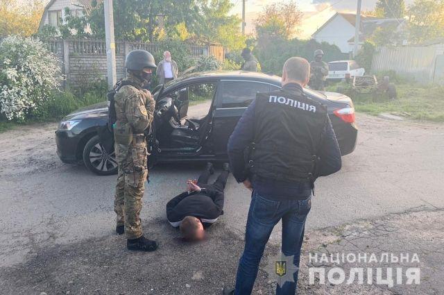 В Киевской области нейтрализировали банду вооруженных наркодилеров